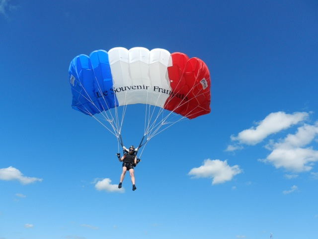 Parachute-SF-Pau3